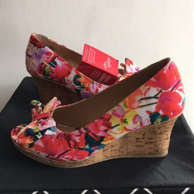 Dexter Comfort Flower Pattern Bow Wedge